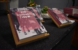 """Przejdź do wpisu Książka prof. B. Musiała pt. """"Kto dopomoże Żydowi"""" nominowana w Konkursie KSIĄŻKA HISTORYCZNA ROKU – PROSIMY O GŁOSY !!!"""