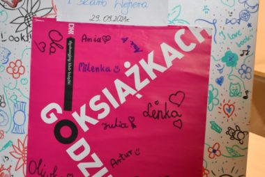 Zdjęcia z galerii DKK dla dzieci z Mietkiem i skarbem Wejhera